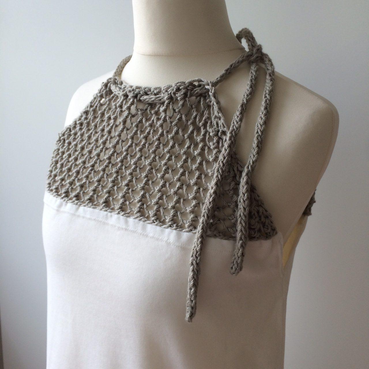 LOTILDA Kleid mit Strickeinsatz auf Puppe Oberteil